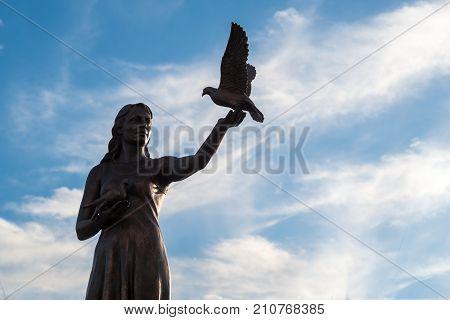 Marmaris, Turkey: 20 Oct 2017, Statue Of Woman And Bird