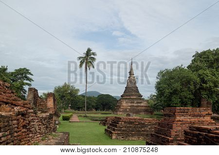 The Sukhothai Historical Park Covers the ruins of Sukhothai capital of the Sukhothai kingdom in the 13th and 14th centuries in what is now the north of Thailand. It is located near the modern city of Sukhothai capital of the province with the same name. T