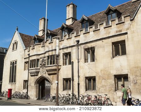 Cambridge, UK, May, 31 2009 :   Pembroke College Cambridge University founded in the 14th century is one of the larger colleges of the university