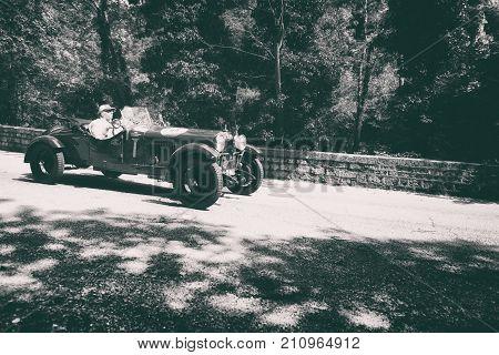 GOLA DEL FURLO, ITALY - MAY 19:ALFA ROMEO 6 1500 MM 1928 on an old racing car in rally Mille Miglia 2017 the famous italian