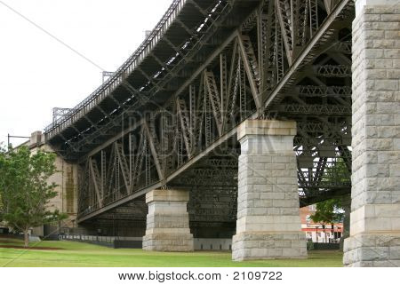 Bridge Supporting Pillars And Girders
