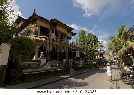 Ubud, Bali, Indonesia - 17th May 2019 : View Of A Typical Beautiful Restaurant Building In The Famou