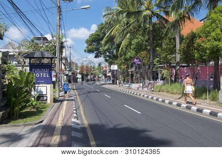 Ubud, Bali, Indonesia - 17th May 2019 : View On The Jalan Raya Pengosekan Road, One Of The Most Busy