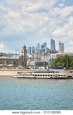 Moscow, Russia - May 29 , 2019: Modern Riverboat On The River In The City, Near Shopping Centers And