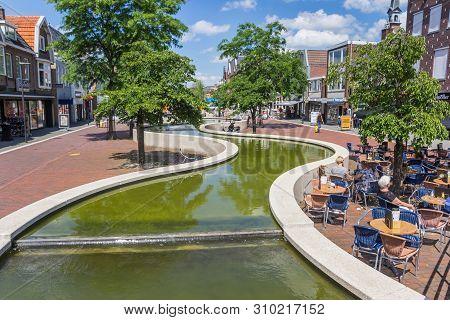 Hoogeveen, Netherlands - June 17, 2019: People Enjoying The Sun At The Meandering Canal Of Hoogeveen