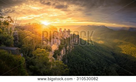 An image of the Three Sisters Blue Mountains Australia at sunrise