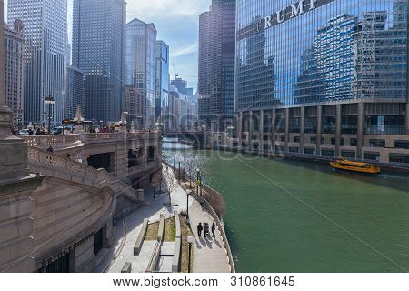 Chicago, Illinois, Usa - March 30, 2016: Trump Tower And International Hotel In Chicago