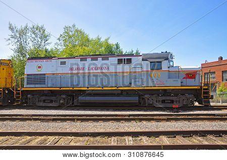 Scranton, Pa, Usa - Aug 7, 2010: Delaware, Lackawanna Railroad Dl 405 Is A Alco C420 Diesel Locomoti
