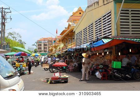 Ho Chi Minh City, Vietnam - March 28, 2019: The Famous Binh Tay Market In Chinatown Area At Saigon.