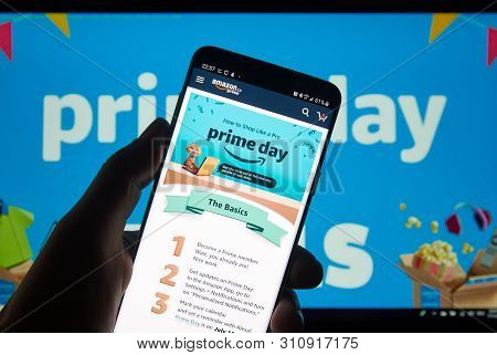 Montreal, Canada - July 11, 2019 : Amazon Prime Day Instruction On How To Shop Like A Pro On A Cell