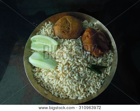 A Delicious ,hygienic And Cheap Snacks Dish Available In Eastern India.
