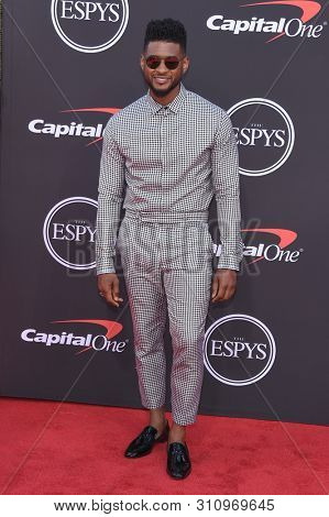 LOS ANGELES - JUL 10:  Usher arrives to ESPY Awards 2019  on July 10, 2019 in Hollywood, CA