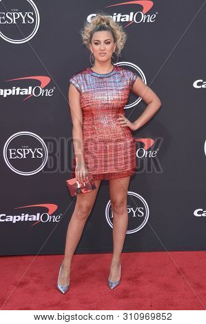 LOS ANGELES - JUL 10:  Tori Kelly arrives to ESPY Awards 2019  on July 10, 2019 in Hollywood, CA