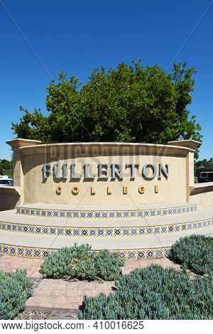 FULLERTON, CALIFORNIA - 21 MAY 2020: Fullerton College sign at the corner of Chapman and Berkley Avenues.