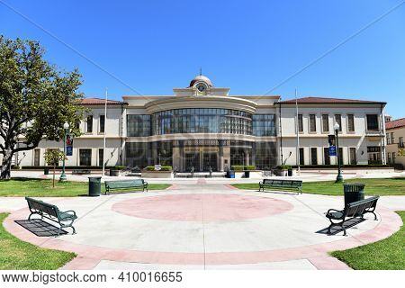 FULLERTON, CALIFORNIA - 21 MAY 2020: Library Building and quad on the campus of Fullerton College.