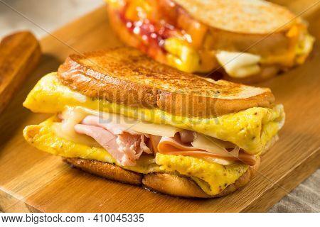 Homemade One Pan Egg Breakfast Sandwich