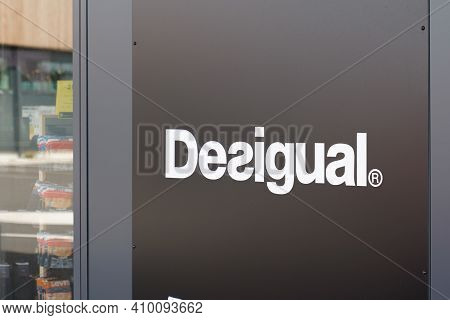 Bordeaux , Aquitaine France - 02 25 2021 : Desigual Logo Brand And Text Shop Sign Of Spanish Store C