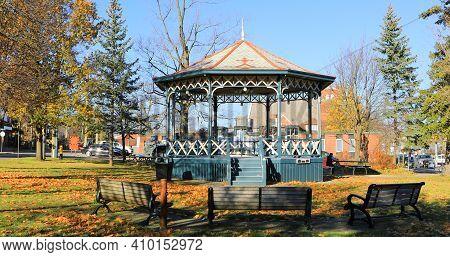 Elmira, Ontario/canada - October 20, 2020:  A View Of Gore Park In Elmira, Ontario, Canada With Gaze