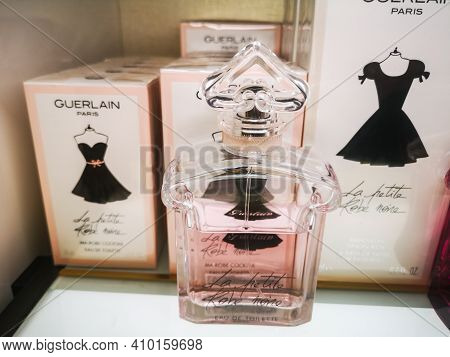 Fragrance For Women La Petite Robe Noire Guerlain Belongs To The Group Of Oriental Gourmands In The