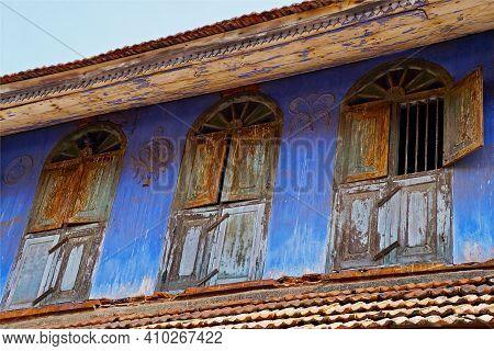 Three Windows. Old Jewish Quarter In Kochi, Kerala, India