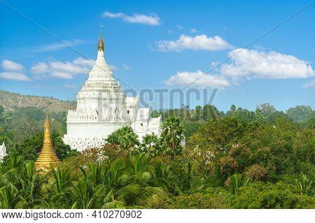 Hsinbyume Or Myatheindan Pagoda In Mingun, Bruma