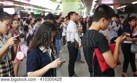 Bangkok, Thailand - 18 December, 2018: Passenger At Bts Skytrain Station In Bangkok Thailand, Everyb