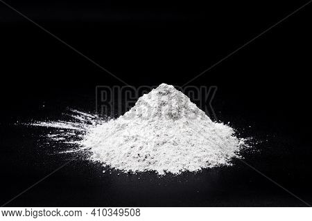 Calcium Oxide, Also Called Quicklime, Quicklime. Industrial Product Used In Construction