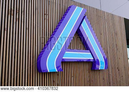 Bordeaux , Aquitaine France - 02 25 2021 : Aldi Sign Logo And Brand Text Shop Supermarket Low Cost S