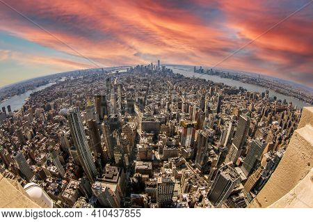New York, Usa - March 7, 2020: View From The Empire State Building With Midtown And Lower Manhattan