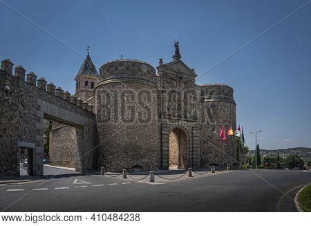 Puerta De Bisagra Or Alfonso Vi Gate In City Of Toledo, Spain