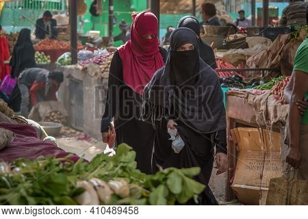 Jaipur, India. 09-05-2018. Two Muslim Women Are Walking At The Local Market In The Center Of Jaipur.