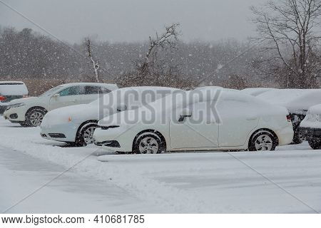 7 January 2017 Cars Covered In Snow During Snowstorm Car Covered In Snow Storm