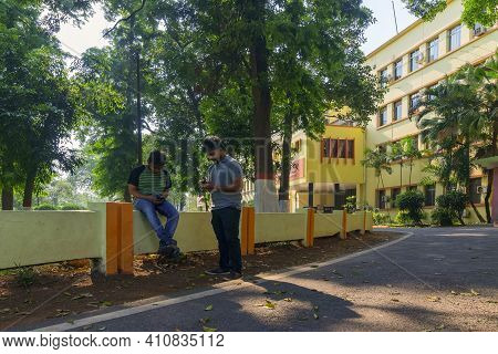 Howrah,west Bengal,india- 21st April 2019 : Famous Bokultala Of Indian Institute Of Engineering Scie