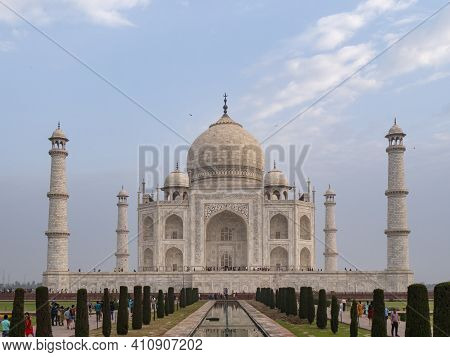 Agra, India - March, 26, 2019: Front View Of The Taj Mahal On A Spring Morning