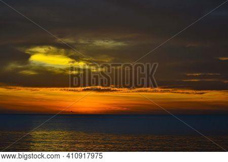 Evening Sunset At The Beach, Tanjung Aru Beach, Kota Kinabalu, Borneo,sabah, Malaysia