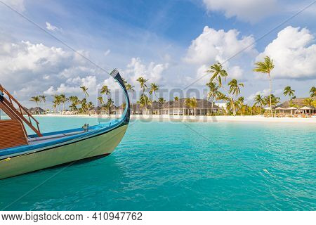 Inspirational Maldives Beach Design. Maldives Traditional Boat Dhoni And Perfect Blue Sea With Lagoo