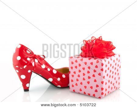 Speckles Shoe And Present
