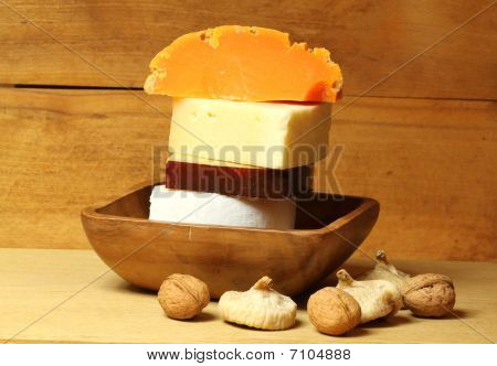 Cheese With Figs And Wallnuts