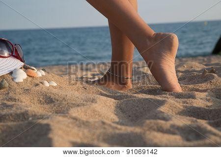 Feet Of A Girl, Bodyparts