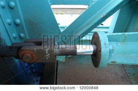 Hydraulic Cylinder on Lifting Bridge