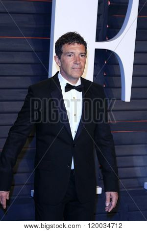BEVERLY HILLS - FEB 28: Antonio Banderas at the 2016 Vanity Fair Oscar Party on February 28, 2016 in Beverly Hills, California