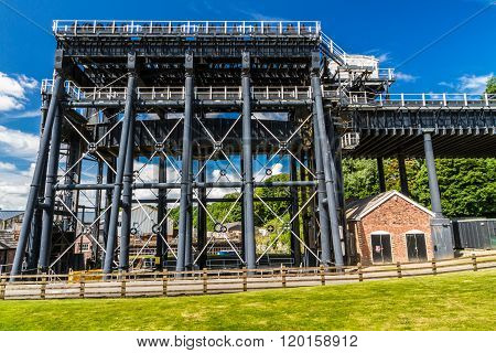 Anderton Boat Lift, Canal Escalator