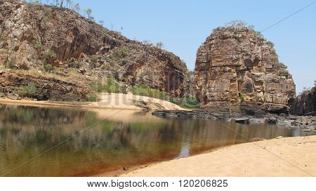Panoramic view over Smitt Rock in the fifth gorge at Katherine Gorge