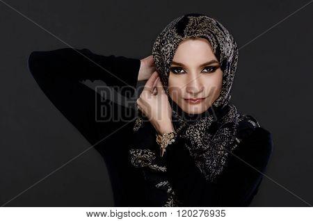 Beautiful Arab Woman Wearing Abaya