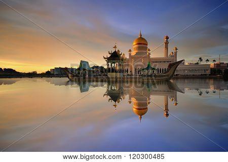 Beautiful View of Sultan Omar Ali Saifudding Mosque, Bandar Seri Begawan, Brunei, Southeast Asia poster