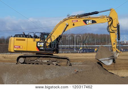 CAT 336e Hybrid Hydraulic Large Excavator - Caterpillar