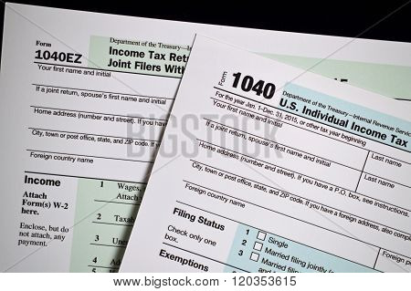 1040 and 1040EZ tax forms for 2015