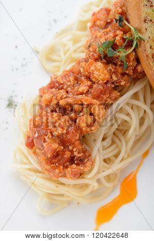 Spaghetti Marinara with garlic bread