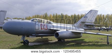 Yak-25- Interceptor(1952).max.speed,1090 Km/h.the First Soviet Interceptor With Radar In A Series