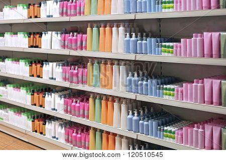 Toiletries Retail Shelves